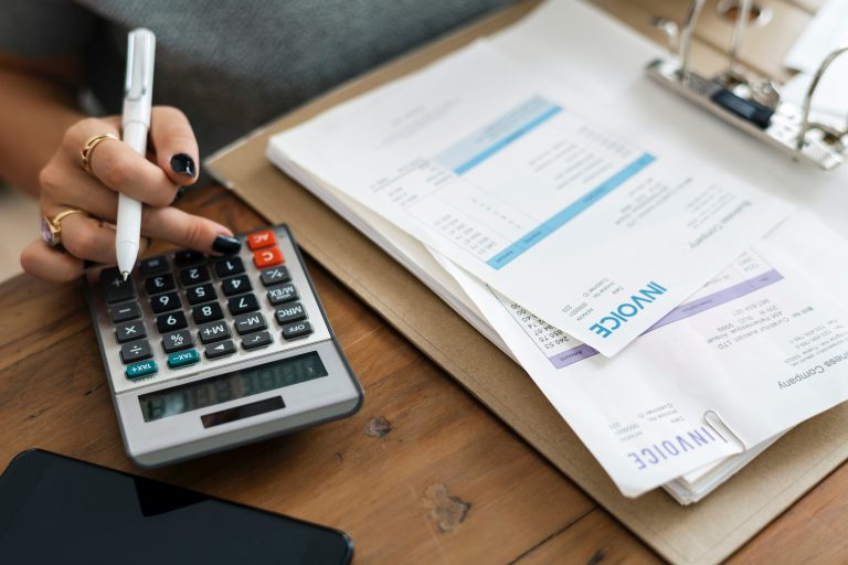 invoices and calculator